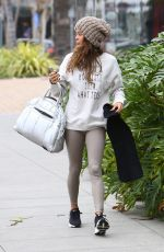 Brooke Burke Arriving for a Sunday morning workout in Malibu