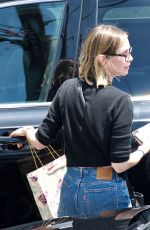 Calista Flockhart Has lunch with a friend at Brentwood Country Mart