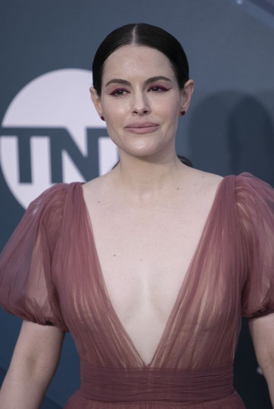 Emily Hampshire At the red carpet of the 26th Annual Screen Actors Guild Awards held at the Shrine Auditorium in Los Angeles
