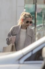 Emma Roberts Picks up a smoothie and food during Sunday out in Los Feliz