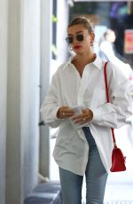 Hailey Bieber Arrives at a skincare clinic in Beverly Hills