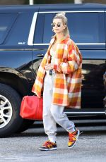 Hailey Bieber Hits up the dance studio in West Hollywood