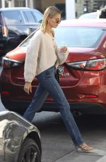 Hailey Bieber Seen arriving at a Coffee Shop in Beverly Hills