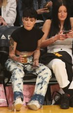 Halsey Attends a basketball game at the Staples Center in Los Angeles