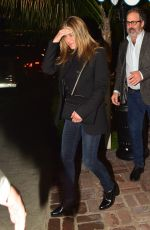 Jennifer Aniston Enjoys a night out at San Vicente Bungalow in West Hollywood