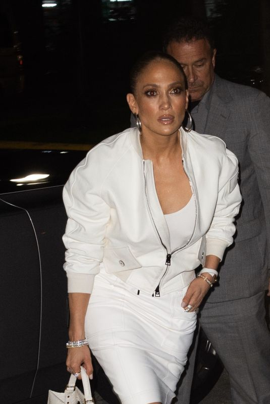 Jennifer Lopez Out for dinner in South Beach