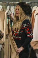 Jessica Simpson Out shopping in Aspen