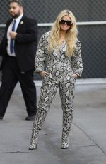 Jessica Simpson Strikes a pose for photographers as she arrives at Jimmy Kimmel Live