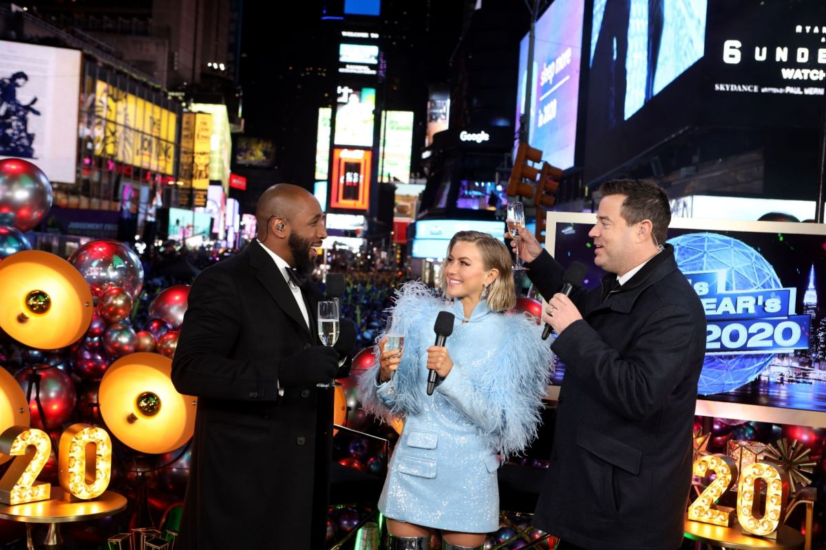 Julianne Hough At Nbc S New Year S Eve In Nyc Celebzz