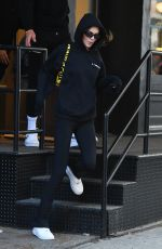 Kendall Jenner Out for lunch at Bubby