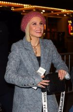 Kristen Bell Arriving at a Broadway play in New York