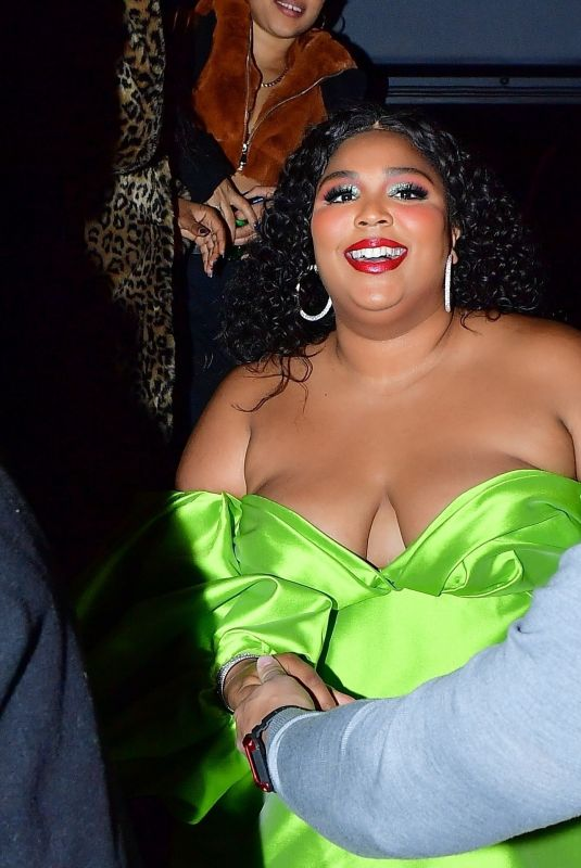 Lizzo Steps out to the afterparty for the winter finale of SNL in New York City