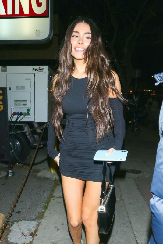 Madison Beer Arriving at the premiere of Justin Bieber: Seasons in Los Angeles