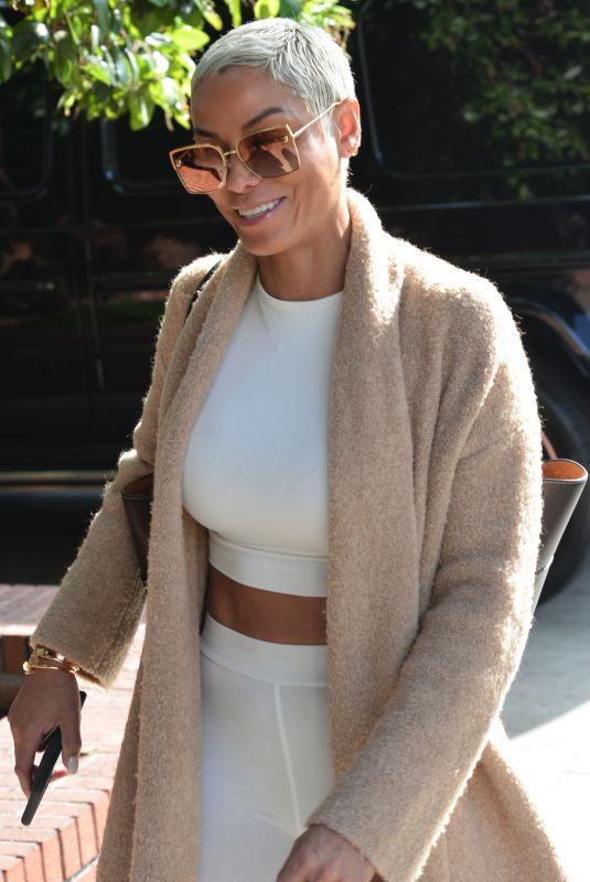 Nicole Murphy Heads to lunch in Beverly Hills