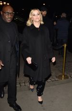 Reese Witherspoon Arriving at the Giorgio Armani Fashion Show in Paris
