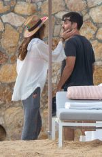 Tobey Maguire and girlfriend Tatiana Dieteman take their love to Mexico