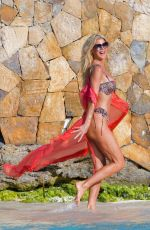 Victoria Silvstedt On the beach in St Barts