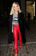Ashley Roberts Celebrates valentine with friends at Soho brasserie in London