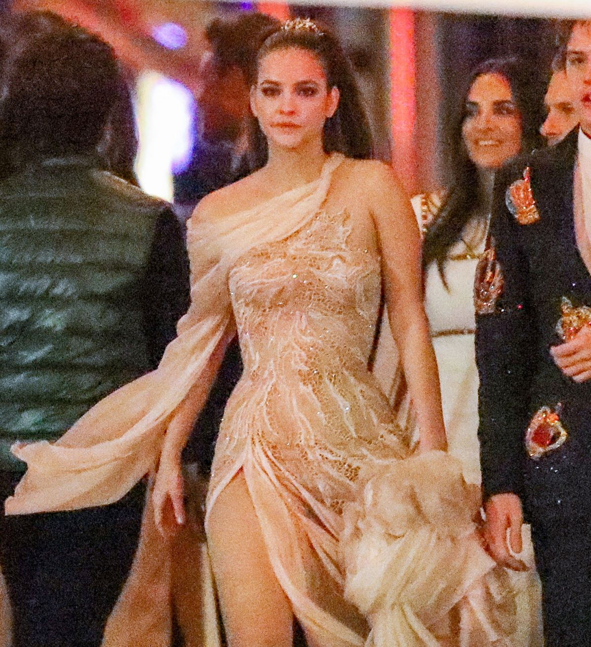 Barbara Palvin Arrives At The Vanity Fair Oscars Party In Beverly Hills Celebzz Celebzz