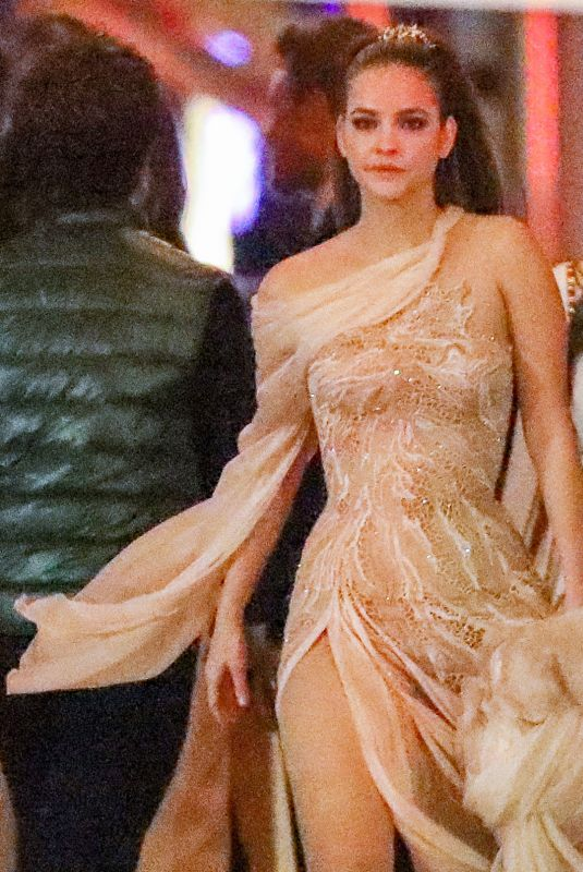 Barbara Palvin Arrives at the Vanity Fair Oscars Party in Beverly Hills