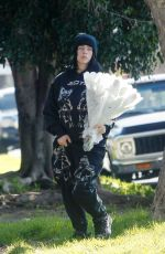 Billie Eilish Dropping off bouquets of flowers to friends around Los Angeles