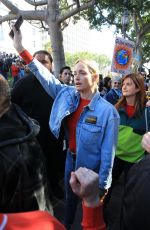 Bonnie Wright Protest for climate change at Jane Fonda