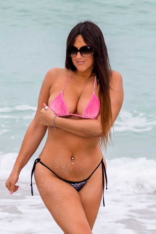 Claudia Romani Spending the day on the beach during the Wine and Food Festival in Miami Beach