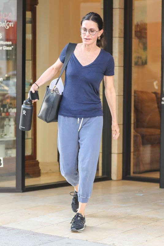 Courteney Cox Leaves a Beverly Hills spa
