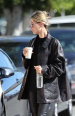 Hailey Baldwin (Bieber) Heading for a meeting in LA