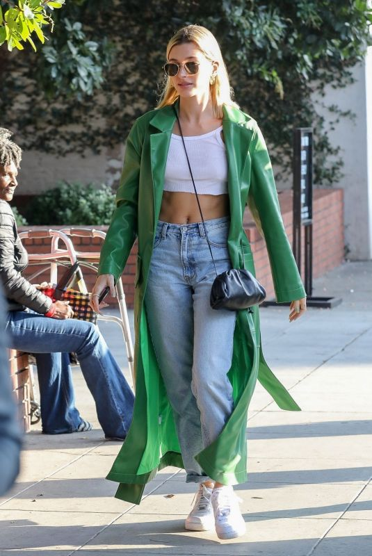 Hailey Bieber Arrives for dinner at South Beverly Grill in Beverly Hills