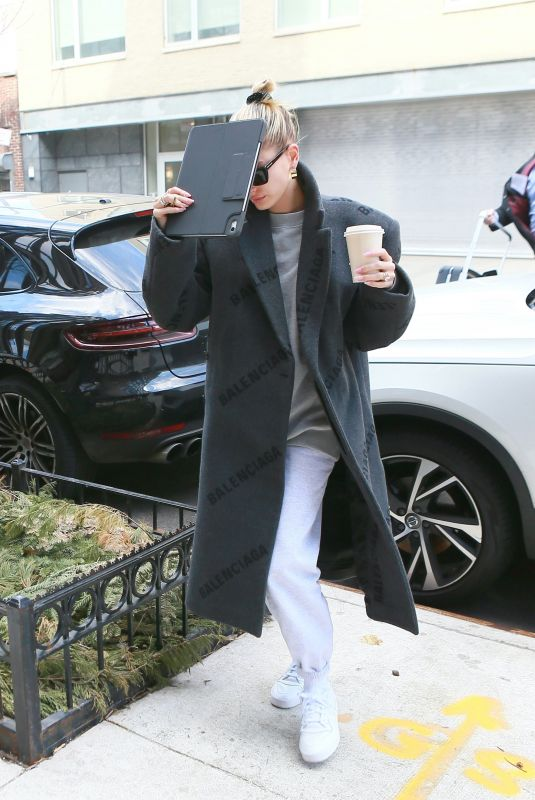 Hailey Bieber At her apartment in NYC