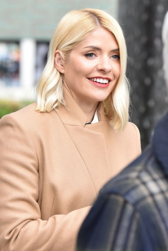 Holly Willoughby Attempts a world record for tossing pancakes during the ITV This Morning show