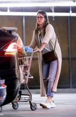 Jessica Alba Shopping in Beverly Hills