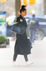 Katie Holmes Arrives back home after running errands in New York City