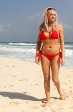 Katie McGlynn Shows off her sexy beach body physique in the blazing hot sunshine out in Mexico