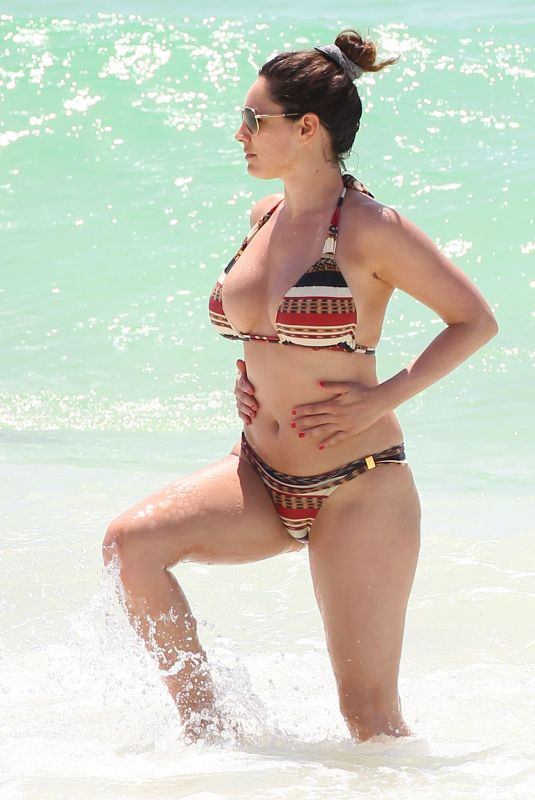 Kelly Brook At a Beach in Cancun in 2013