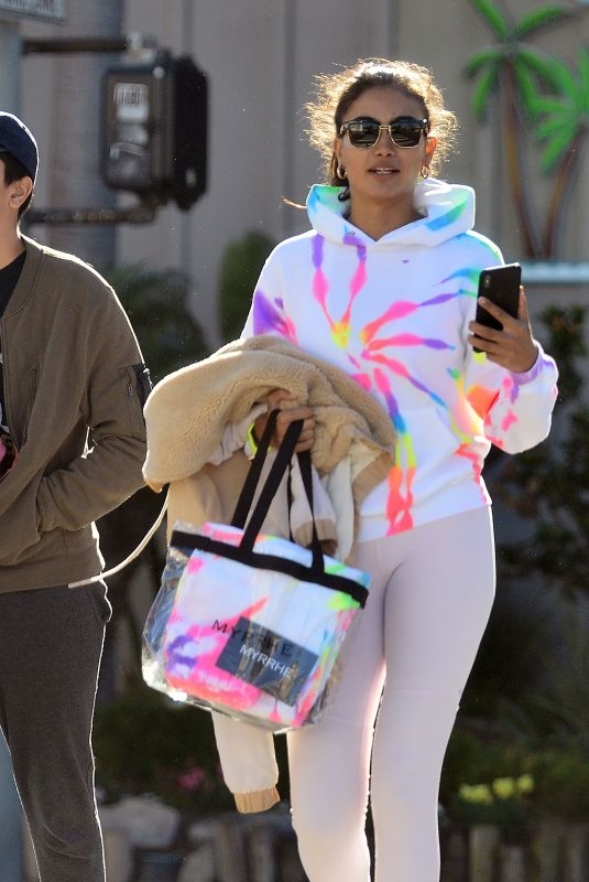 Kelly Gale Leaves a pilates class with her brother in Venice, California