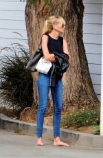 Kimberly Stewart Barefoot and unbothered in Los Angeles
