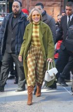 Kristen Bell Dons a bold look while promoting