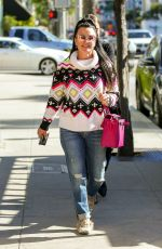Kyle Richards Enjoys a retail therapy session after lunch with a friend in Beverly Hills