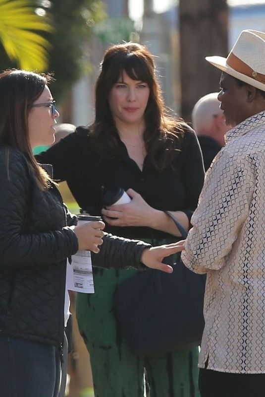 Liv Tyler Gets into character while on the set of 911 Lone star in LA