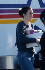 "Mandy Moore On the set of ""This Is Us"" in Los Angeles"