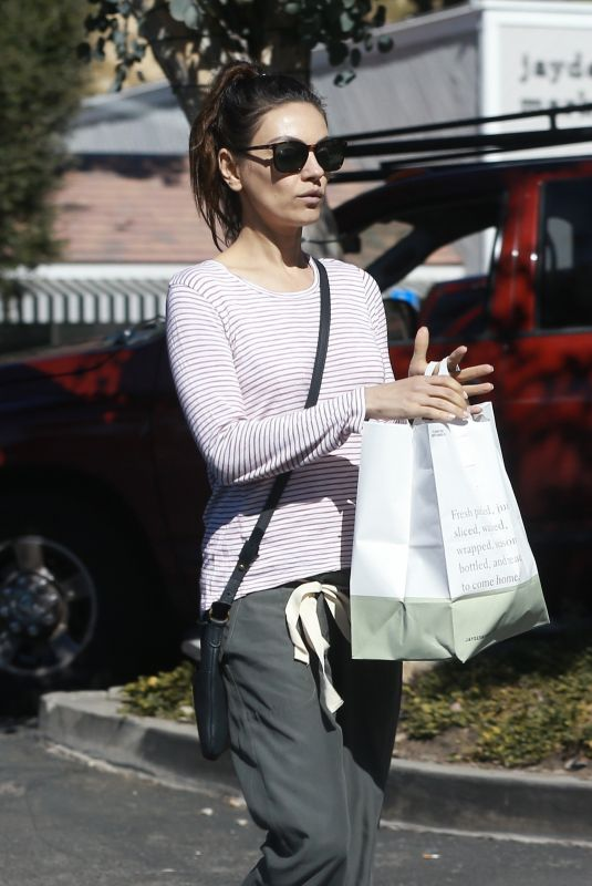 Mila Kunis Shopping at Beverly Glen Grocers Market in Bel Air