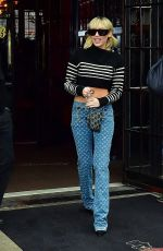 Miley Cyrus Leaving her hotel in NYC