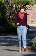 Olivia Wilde Out for a morning stroll in Los Angeles
