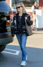 Reese Witherspoon Leaves the Brentwood Country Mart