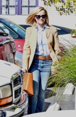 Reese Witherspoon Looks ready for business heading into her office in Brentwood