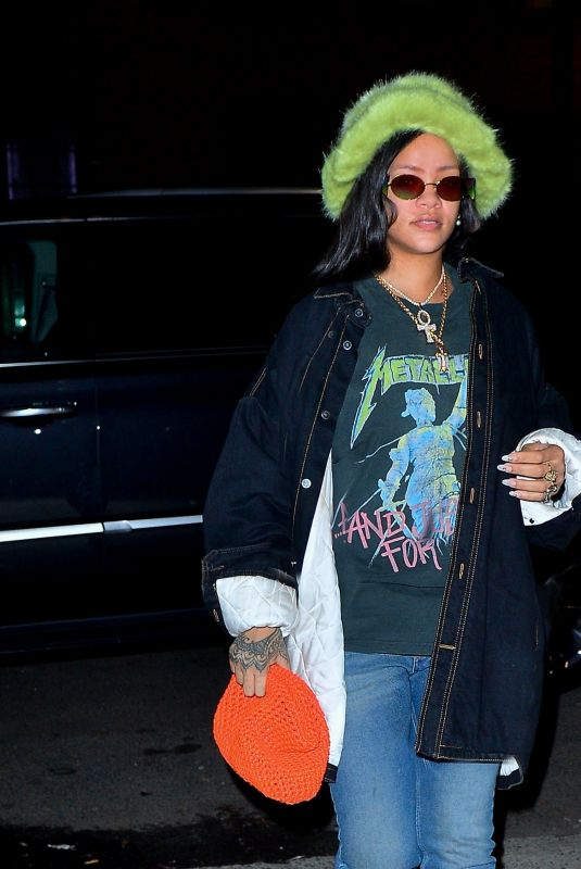 Rihanna Heads to the studio in New York City