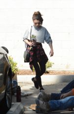 Sarah Hyland Looks fantastic leaving the gym in Hollywood