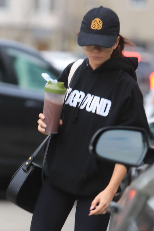 Sarah Hyland Spotted undercover leaving DOGPOUND gym in West Hollywood